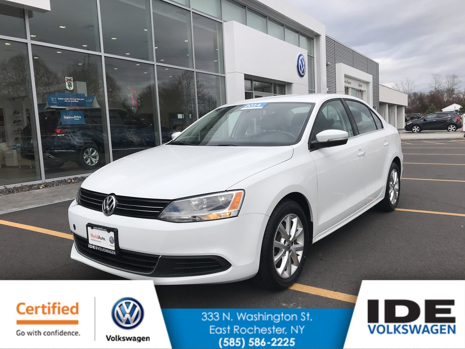 Certified Pre-Owned 2014 Volkswagen Jetta Sedan SE w/Connectivity