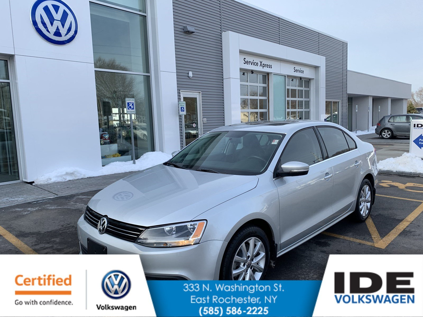 Certified Pre-Owned 2013 Volkswagen Jetta Sedan TDI w/Premium