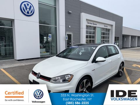 Certified Pre-Owned 2015 Volkswagen Golf GTI SE w/Performance Pkg