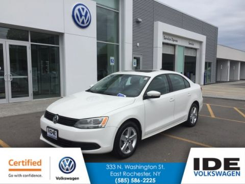 Certified Pre-Owned 2011 Volkswagen Jetta Sedan TDI