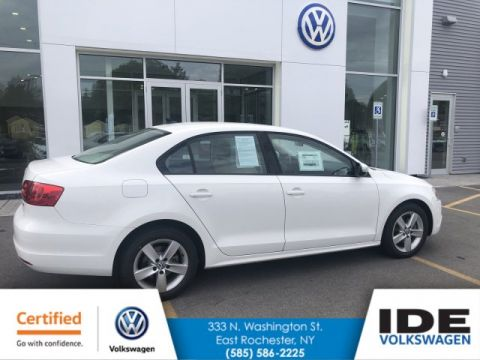 Certified Pre-Owned 2011 Volkswagen Jetta Sedan TDI LE