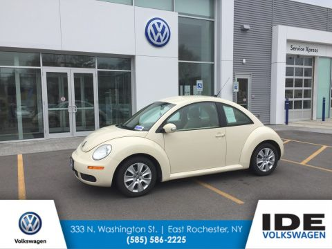 Pre-Owned 2010 Volkswagen New Beetle Coupe
